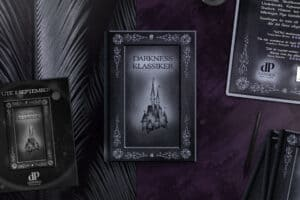 Bok med omslag illustrerat och designat av Formidaniel AB åt Darkness Publishing.